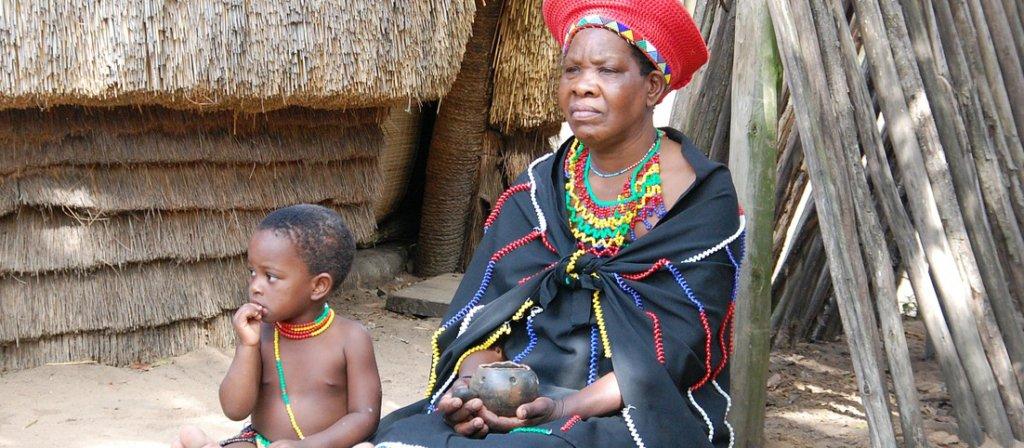 donna Zulu con il figlio