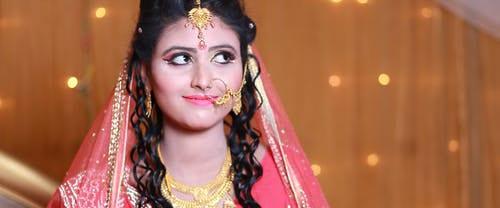 Il Sari: storia del tradizionale vestito indiano istruzioni per l'uso Filo Nicky