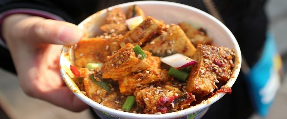 tofu puzzolente cinese, il chòu dòufu